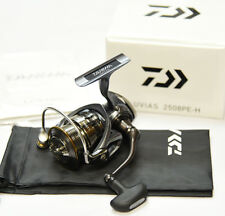 2015 model NEW Daiwa LUVIAS 2508PE-H Spinning Reel From Japan