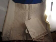 ancienbe petite nappe arrondie brodee + 8 serviettes assorties epoque 1950
