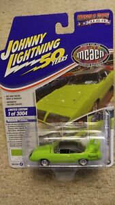 2020 JOHNNY LIGHTNING '70 PLYMOUTH SUPERBIRD LOONEY TUNES MUSCLE CARS USA 1/3004