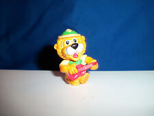 GUITAR PLAYING Mini Plastic Figurine CARTOON LION SAFARI Kinder Surprise Figure