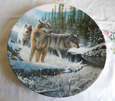 Winter Travelers Plate Coa Call Of The Wilderness Devoted To The Gray Wolf