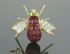 $5950 18K Yellow Gold Invisible Pigeon Blood Ruby Emerald Diamond Bee Pin Brooch