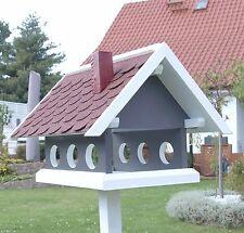 """Vogelhaus aus der """" Landhaus Serie """"  steingrau / weiß und Bitumen Schindeldach"""