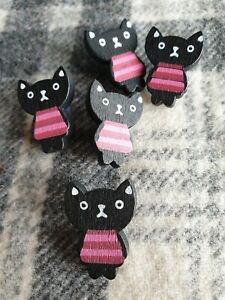 5 Large black cat craft sewing wooden buttons 24mm x 18mm FREE Post