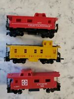 Caboose LOT OF 3 HO Scale - Chattanooga, Union Pacific, Sante Fe