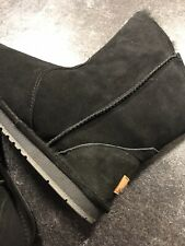 Ladies Boots Leather/lambs Fleece Size 6 LAST TWO PAIRS