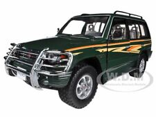 1998 MITSUBISHI PAJERO LONG 3.5 V6 W/BUSH GUARD DARK GREEN 1/18 BY SUNSTAR 1225