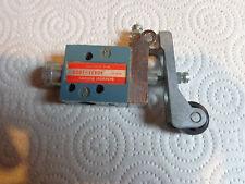 SCHRADER BELLOWS 40421-1000 POPPET VALVE W/ROLLER