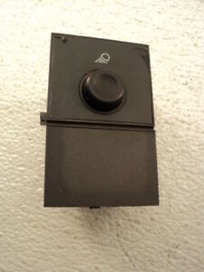 2006 GMC / Chevrolet #7556 Cargo Light Switch
