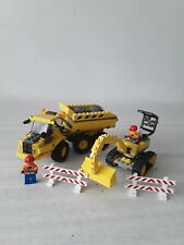 LEGO - CAMION DE CHANTIER N° 7631 + ENGIN N° 7633 + PERSONNAGES