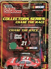 Racing Champions Nascar Collectors Series Elliott Sadler #21 Motocraft Car Stand