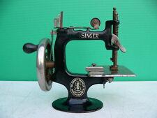 c1914 Cast Iron Singer Model 20 Child's Toy 8 Spoke Miniature Sewing Machine