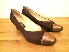 Tailored 1990s Vintage Shoes for Women
