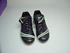 Nike Soccer Cleats Size 5Y Black / Silver 356917-011