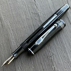 1935 Parker Parkette Deluxe Fountain Pen, Silver Trim, Restored, 14k Fine Nib