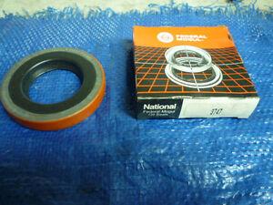 New 81-90 91 Chevrolet C20 GMC C2500 Suburban Federal Mogul 3747 Rear Wheel Seal
