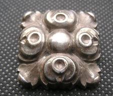 ANCIEN BIJOU CLIP PINCE A FOULARD  MÉTAL ARGENTE  DECOR FLORAL STYLISE N3067