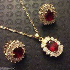 Conjunto Rojo Ruby Sim Diamante Dorada GF a Juego Collar Aretes Oval corte BOXD plumuk