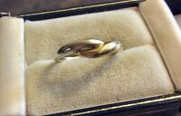 Lovely Ladies Pretty Vintage Full Hallmarked Two Colour 9CT Gold Ring 2 Colour