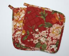 Set of 2 Great Finds MARIE Red Floral Quilted Cotton Pot Holders