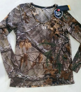 NEW UNDER ARMOUR WOMENS LONG SLEEVE HUNTING SWEATSHIRT  SIZE S COLOR  REALTREE