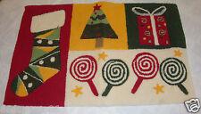 """CHRISTMAS RUG 20""""X30"""" TREE PRESENT LOLLIPOP STOCKING AREA RUG DOOR MAT  VGUC"""