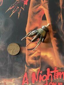 Sideshow Nightmare on Elm Street Freddy Krueger Gloved Hand 1 loose 1/6th scale