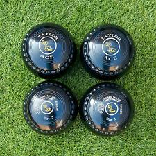 Set of Thomas Taylor ACE Lawn Bowls, size 3