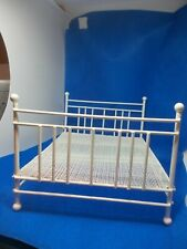 WHITE WIRE DOUBLE  BED FOR A DOLLS HOUSE NO 2