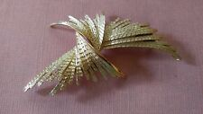 Vintage CROWN TRIFARI Signed gold tone Brooch