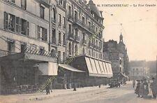 CPA 77300 FONTAINEBLEAU la grande Rue avec Salon de thé