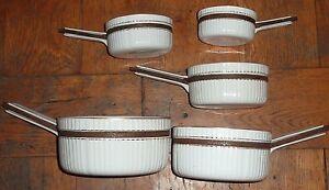 ancienne serie de casseroles en porcelaine blanche cotelée filet dore