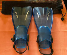 U.S. DIVERS RIP FIN  Flippers  Youth 9-13 S/M Adjustable With Carrying Bag.