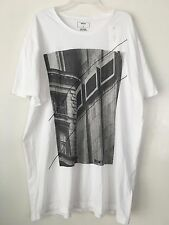 DKNY MEN'S ROUND NECK WHITE WITH MULTI-COLOR CITY DESIGN T-SHIRT SIZE XL