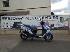 Sinnis Shuttle 125cc scooter moped commuter learner legal