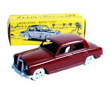 PROMO - CIJ - REEDITION  - MERCEDES BENZ 220 ROUGE