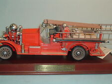 FIRE TRUCK AHRENS 1922 FOX R-K-4 PUMPER FIRE ENGINE FRANKLIN MINT 1:32 & DISPLAY