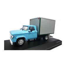 WHITEBOX WB275T Dodge D-400 Box Van hellblau/grau Maßstab 1:43 (224224) NEU!°
