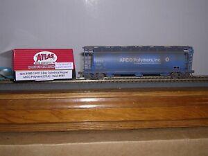 ATLAS #1982-1  Arco Polymers  ACF 3-Bay Cov.Hopper Car #1001 Weathered H.O. 1/87