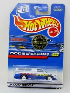 Hot Wheels DODGE RAM 1500 Blue & White w/RR Trailer Edition #1059
