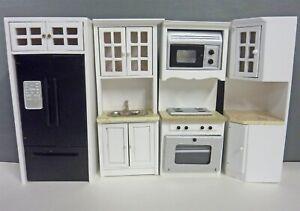 Dollhouse Miniature Kitchen Set w/ Marble Counters, T5416