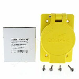 Cooper Yellow Single Watertight Locking Receptacle L19-20R 20A 277/480V L1920RW