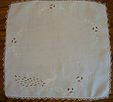 Vtg Linen Doily Hand Embroider & Openwork Wh/Wh Peacock Flowers 18x19 & Trim EUC