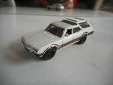 Matchbox Oldsmobile Vista Cruiser in White