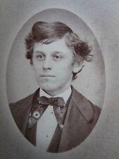 ANTIQUE AMERICAN YOUNG MAN BOY DAISY FLORAL NECKTIE FASHION TEEN USA CDV PHOTO