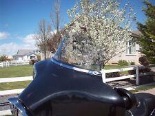 Harley Touring Windshield - 8 in Medium Smoke Gray Aero 1996-2013