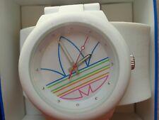 adidas Damen-armbanduhr Armband Silikon weiß Gehäuse Quarz analog ADH3015
