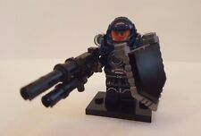 Lego Starcraft 2 Terran Space Marine minifigure w/ gauss rifle and combat shield