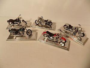 5 Maisto  Harley Davidson  motorcycles