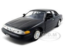 1998 FORD CROWN VICTORIA BLACK 1:24 DIECAST MODEL CAR BY MOTORMAX 76102
